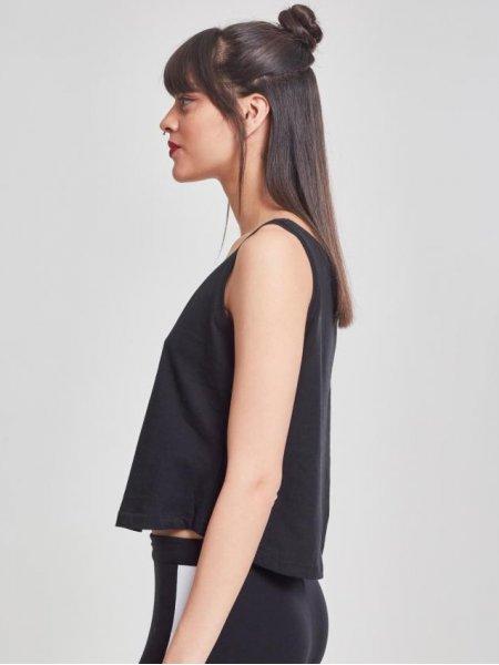 Vue de profil du débardeur oversized pour femme BY051 en coloris Black