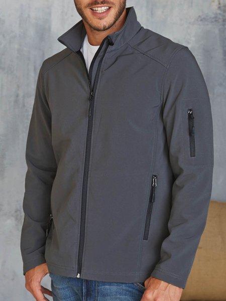 Le mannequin homme porte la veste softshell 3 couches personnalisable K401 en coloris Titanium