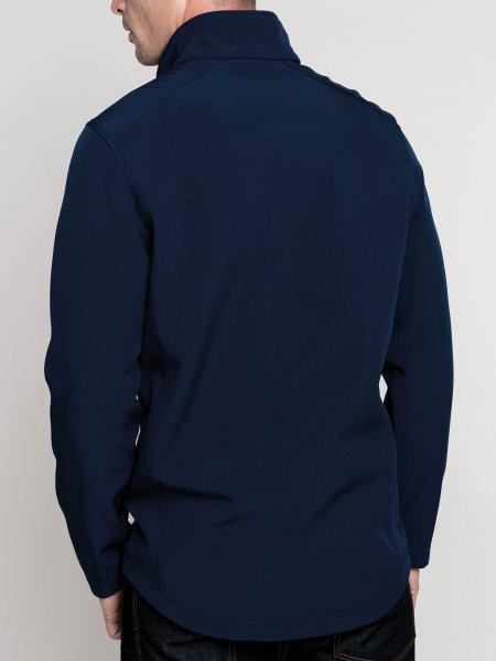 Le mannequin homme porte la veste softshell 2 couches K424 à personnaliser de dos en coloris Navy