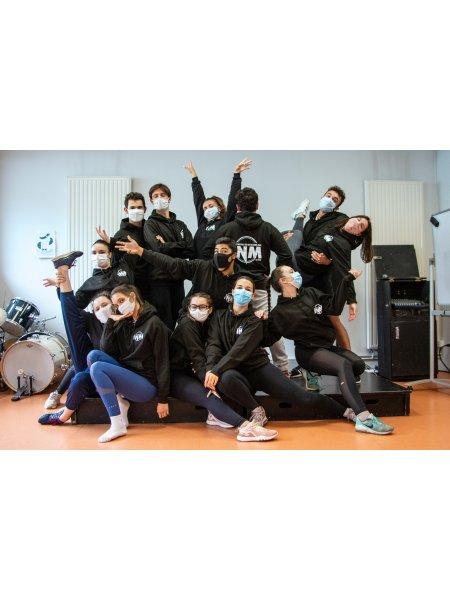 Groupe d'étudiants INM avec sweats personnalisés