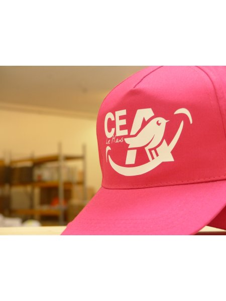 Casquette fuschia personnalisée pour CE