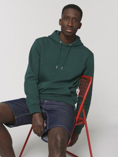 Sweat Cruiser en coloris glazed green porté par un mannequin homme