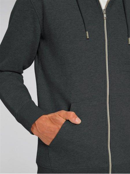 zoom sur une manche et une poche latérale d'un sweat à fermeture éclaire Cultivator en coloris dark heather grey