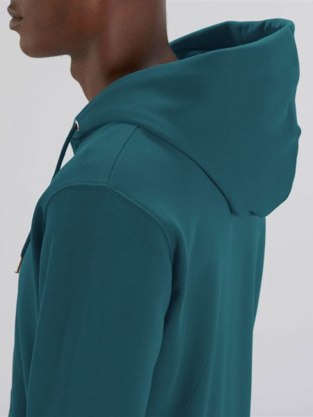 Zoom sur l'épaule et la capuche du sweat zippé Cultivator en coloris stargazer