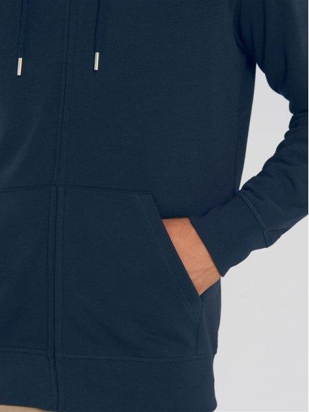 zoom sur les poches kangourou et les manches du sweat zippé Connector en coloris french navy