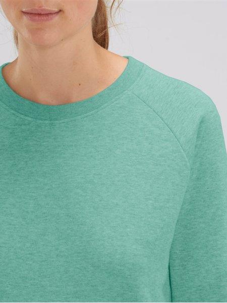 Zoom sur les détails du col et de l'épaule raglan du sweat femme Tripster en coloris Mid Heather Green