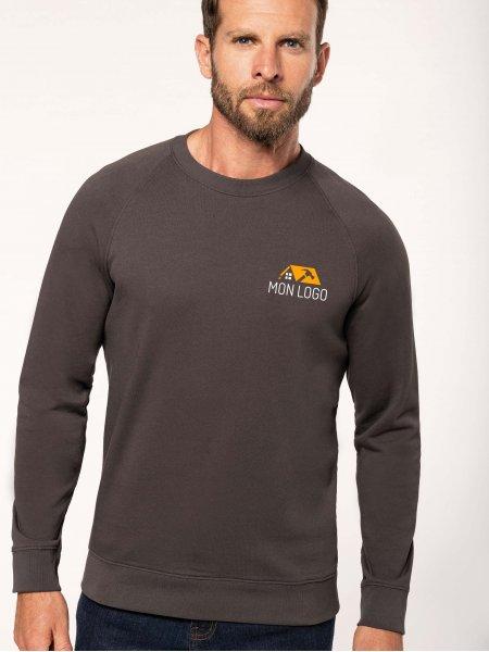 Sweatshirt pro 100% coton WK402 en coloris Dark Grey avec exemple de logo imprimé sur le coeur