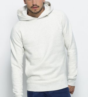 Le mannequin porte le sweat à capuche STSM607 à personnaliser en coloris Cream Heather Grey