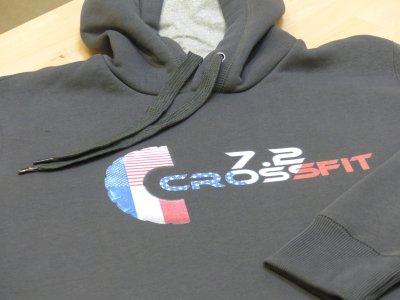 Sweat imprimé pour un club de crossfit