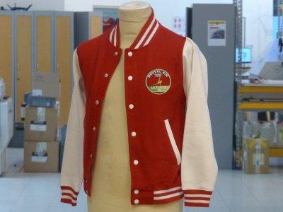 veste teddy rouge JH043 à manches contrastées